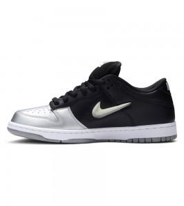 Кроссовки Supreme x Nike SB Dunk Low Metallic Silver - Фото №2