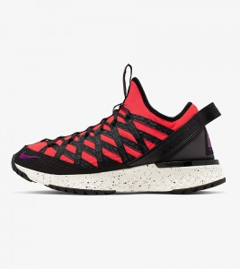 Кроссовки Nike ACG React Terra Gobe Crimson