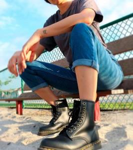 Ботинки Dr. Martens VEGAN 1460 FELIX LACE UP BOOTS - Фото №2