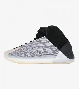 Кроссовки adidas Yeezy QNTM Lifestyle