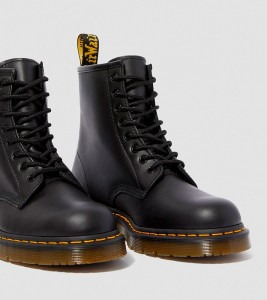 Ботинки Dr. Martens 1460 SLIP RESISTANT LEATHER LACE UP BOOTS - Фото №2
