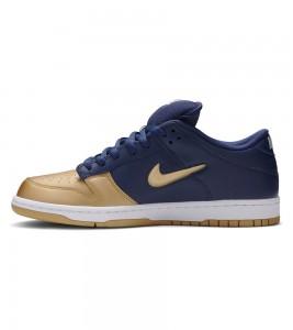 Кроссовки Supreme x Nike SB Dunk Low Metallic Gold - Фото №2
